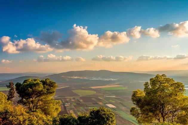 A photo of the Jezreel Valley by Asaf Amran, which I found shared today on Facebook